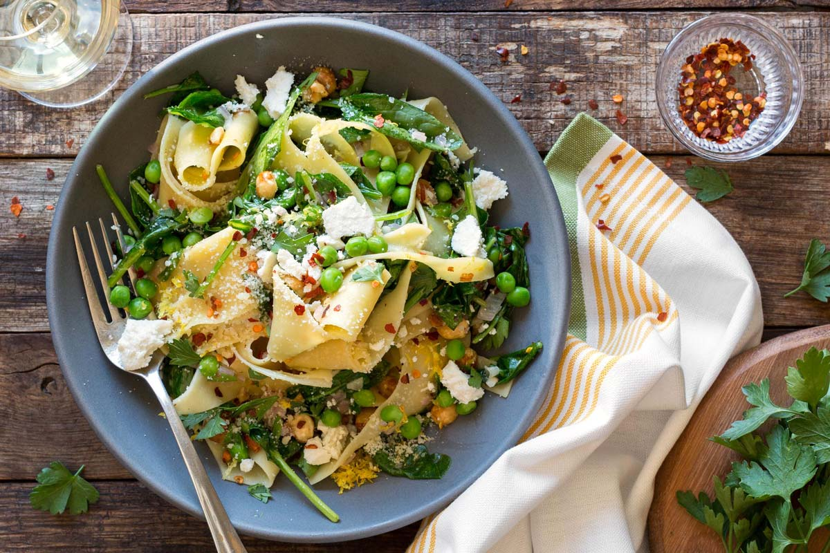 Pappardelle with spinach and hazelnuts
